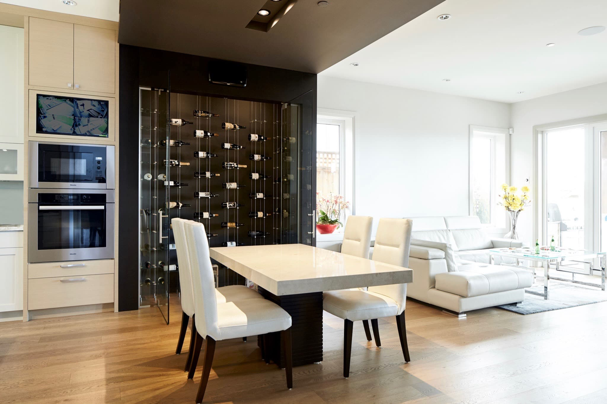 Modern cable floating wine racks wow guests in for Wine pictures for dining room